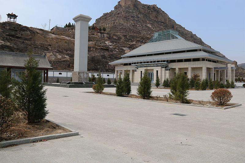晉綏軍區后方醫院衛生二所烈士紀念塔